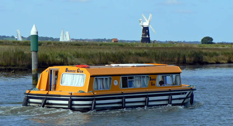 River Waveney Cruising