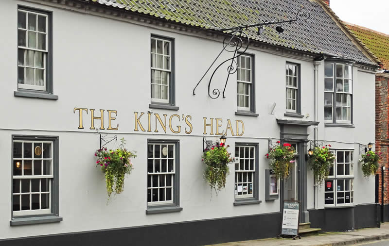 Holt King's Head Pub