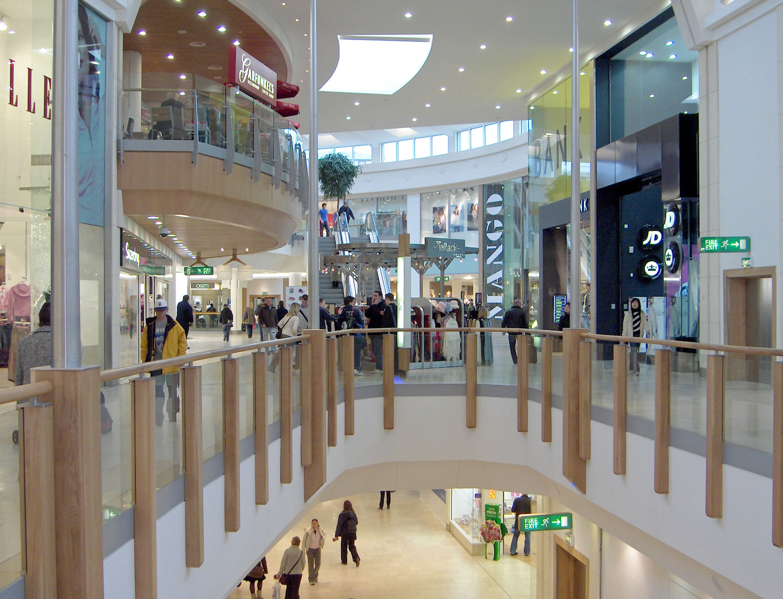 Norfolk Shopping Including Department Stores Boutiques