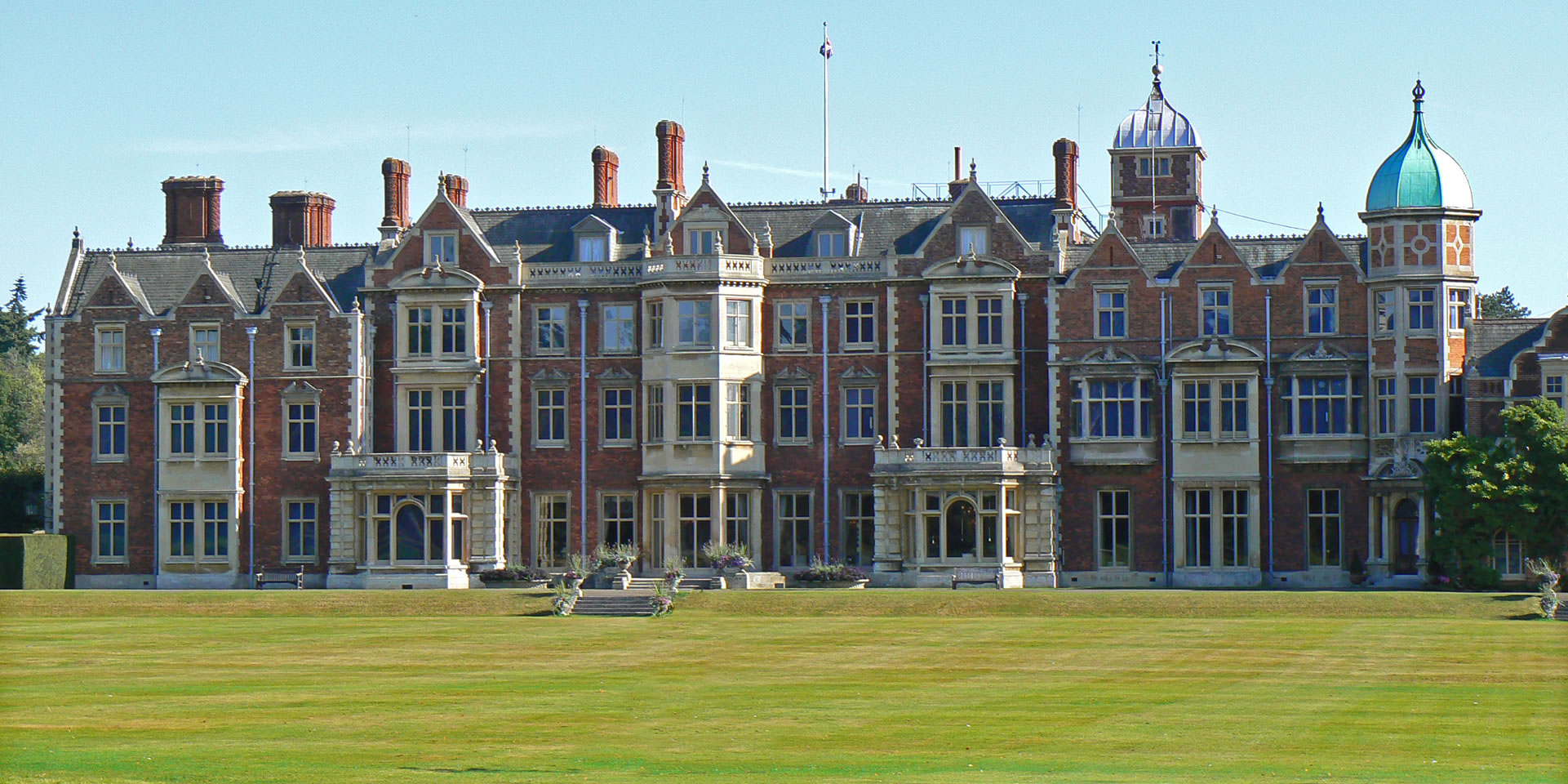 Sandringham Including Sandringham Royal Norfolk Country House Museum Church And Park