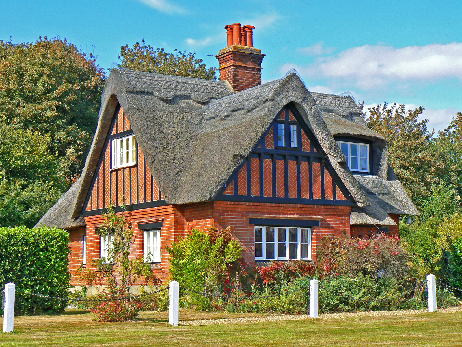 Salhouse norfolk broads including woodbastwick salhouse - Fachadas de casas rusticas ...